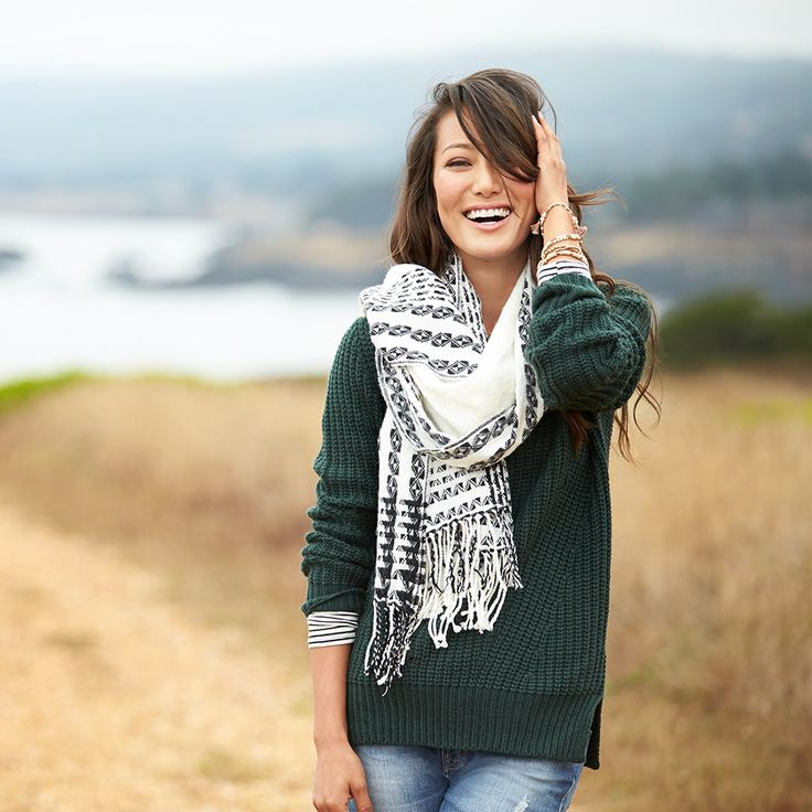 Scarves come in many sizes &styles with just as many ways to tie them!Get our Stylist's tips on how to tie a bulky scarf. Read the tips right here!