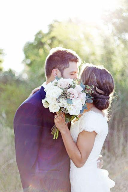 Wedding Photography: Bride Groom Bouquet