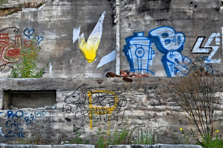 Graffiti - Gibsons, Sunshine Coast, Howe Sound, British Columbia, Canada