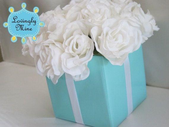 Tiffany blue centrepiece