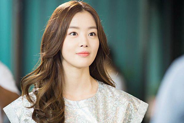 "SECRET Sunhwa, Pictures From 'Marriage Not Dating' Filming Set Released ""Goddess Not Sunhwa?"" http://www.kpopstarz.com/articles/105522/20140822/secret-sunhwa-pictures-from-marriage-not-dating-filming-set-released-goddess-not-sunhwa.htm"