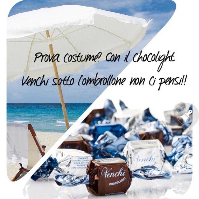 Sotto l'ombrellone... Senza zuccheri aggiunti...#Venchi #estate #insieme #cioccolato #light #chocolate #chocolight #food no added #sugar #happy #friends #share your #summer