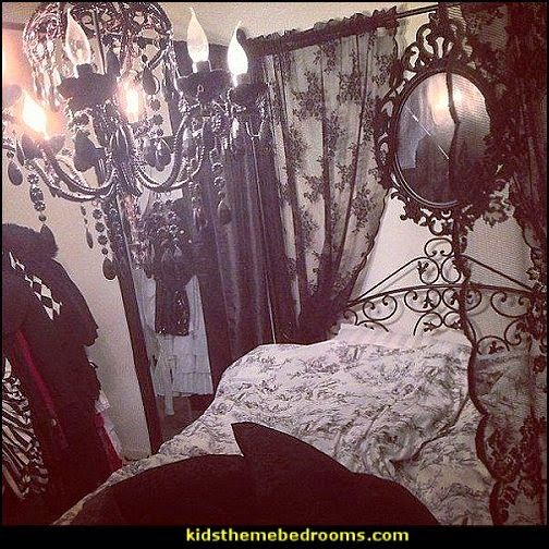 Gothic Lolita Style Bedroom Decorating Ideas