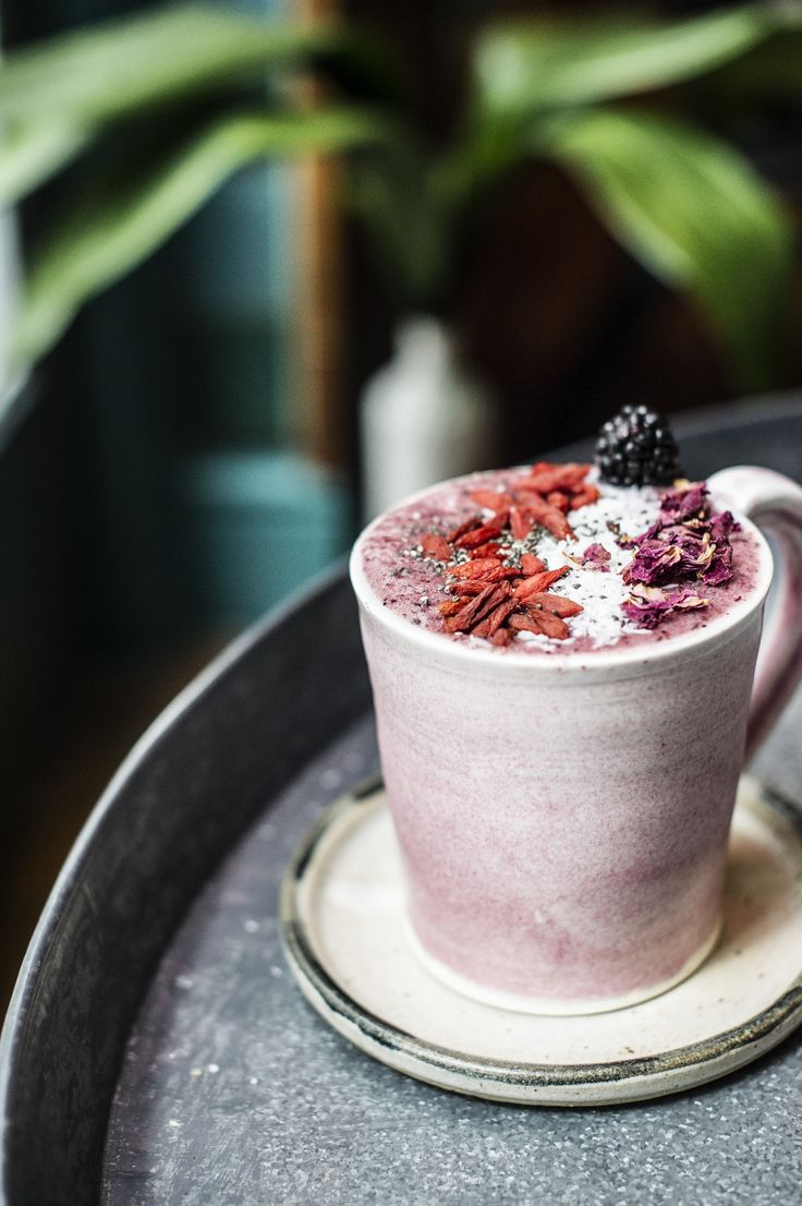My Top Five Favourite Places To Brunch In London. Check out some of the most amazing restaurants and cafes for having brunch right in the heart of London. #ariannasdaily #londonbrunch #brunchrestaurants #brunch