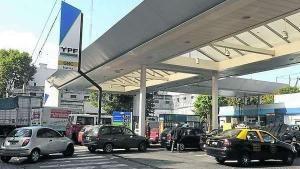 YPF cambia el sistema de precios: serán distintos según el barrio y el horario de venta del combustible