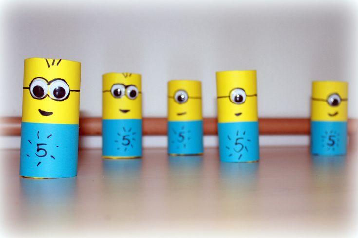 De verjaardag van mijn zoon F. komt in zicht, want hij word bijna 5 ! En daar hoort een kinderfeestje bij. Wij hebben deze leuke minion poppetjes gemaakt als uitnodiging voor het kinderfeestje. Vanochtend heeft hij ze met een big smile mogen uitdelen aan zijn vriendjes. En wat een leuke reacties van de kinderen en ... [Lees meer...]