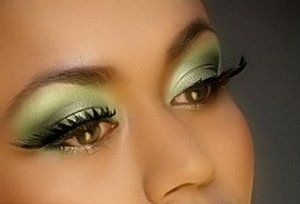 Green eye shadow looks great on brown eyes.