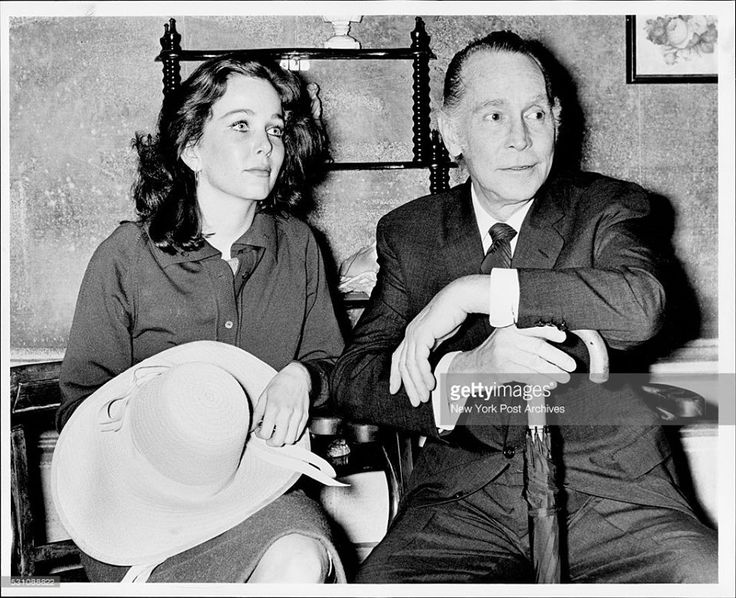 Screen Star's Daughter Debuts Brooke Hayward daughter of the late stage and screen actress Margaret Sullavan, and producer Leland Hayward, made her Broadway debut in Mandingo, opposite Hollywood star Franchot Tone, at the Lyceum Theatre, May 24, 1961