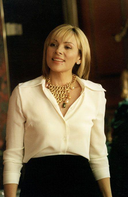 Love the blouse / necklace combo......  Atlantic City episoide