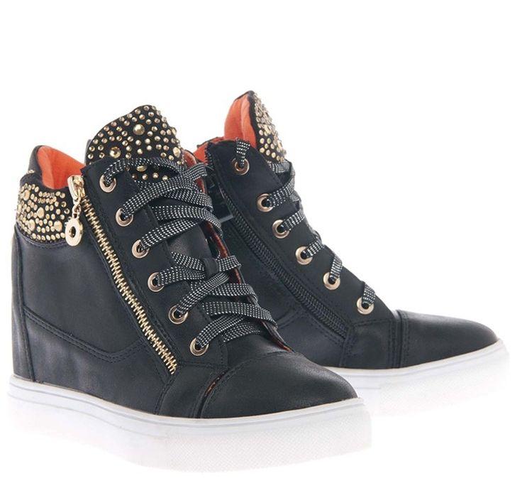 Loafer μαύρο, 29,00€.