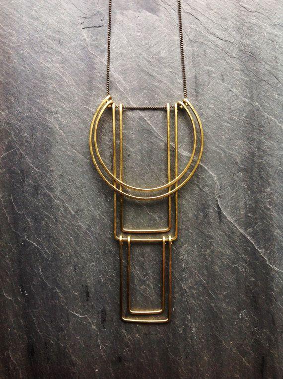 www.cewax.fr aime ce Géométrique Totem Necklace - bijoux boucle - martelé laiton géométrique martelé-collier en argent Sterling bijoux de géométrique-Art déco-Portland