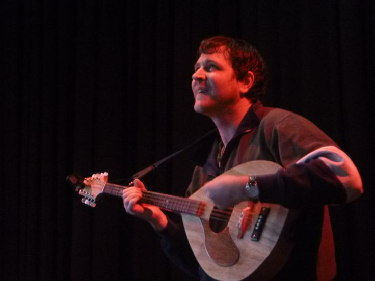 Nick Johnston at Thirsty Dog Folk Club performing with his Barebones Octave Mandolin #07. One of my very early builds.