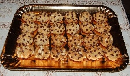 Biscottini pinoli e gocce di cioccolato