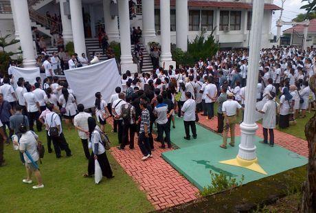 Hari Ini IDI dan Dinas Kesehatan se Indonesia Gelar Demo Serentak
