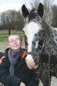 Cómo hacer un disfraz de caballo para niños | eHow en Español
