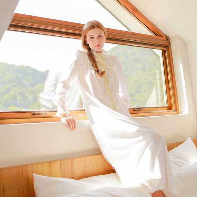 Freies Verschiffen 2015 Neue Herbst frauen Lange Weiß Pyjama Startseite Tuch Bogen Nachtwäsche 100% Baumwolle Nachthemd