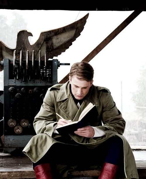 The Avengers – Chris Evans – Captain America – Steve Rogers. I may or may not be writing fanfiction about you right now!
