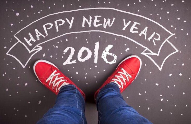 Foto tomando el letrero hecho en el piso, feliz año 2016
