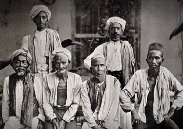 15 Potret Kuno Jemaah Haji Zaman Dulu