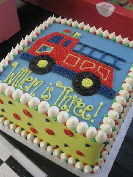 Festive Fire Truck Birthday Cake | Shared by LION
