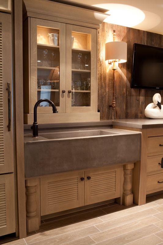 Concrete Farm Sink: love the sleek look of it. by dianna
