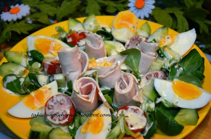 Smak, zapach, kolor, tradycja z nutką nowoczesności...: Lekka sałatka, na kolację lub śniadanie