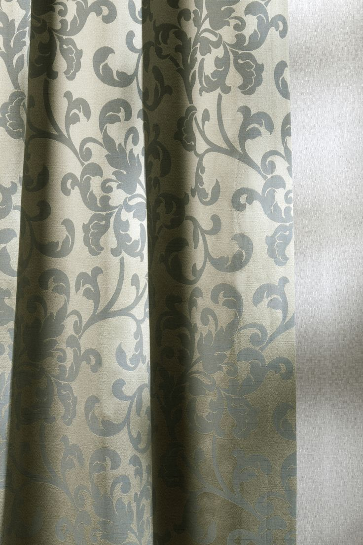 Sofia #gordijnen #interieurdecoratie #raamdecoratie #onlinegordijnen #opmaatgemaakt #goedkopegordijnen #gordijnstof #gordijnstofbestellen #effengordijnen #kantenklaar #curtains #fabrics #curtainsonline