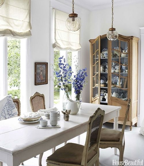 light and airy dining roomLights, Dining Rooms, House Beautiful, Dining Area, Decor Ideas, China Cabinets, Romans Shades, Diningroom, Breakfast Room