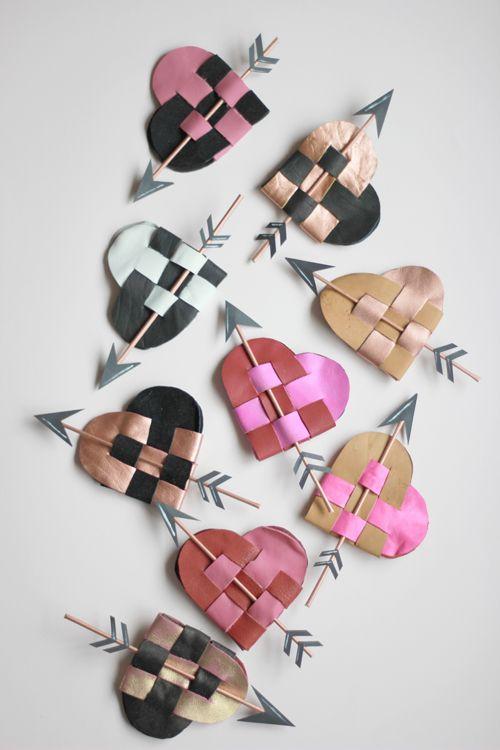 Make a woven Danish heart pouch
