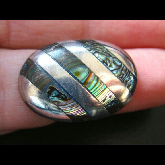 """Vintage Taxco Concha Abalone Silver Ring Makers mark AD, Sterling silver, size 5, in great condition. Big ring 1"""" in length and .5"""" wide. Vintage Jewelry Rings"""
