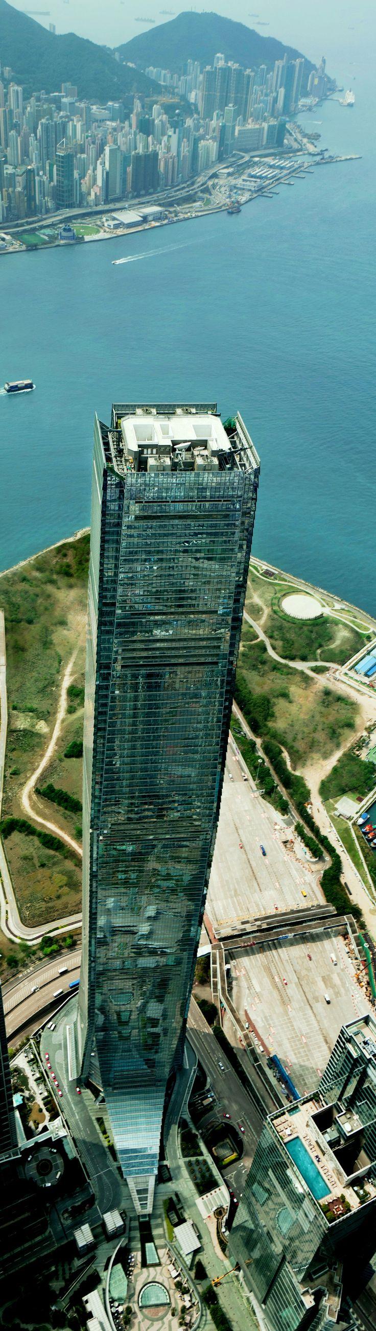 International Commerce Centre (ICC), Kohn Pedersen Fox (KPF)  #architecture ☮k☮