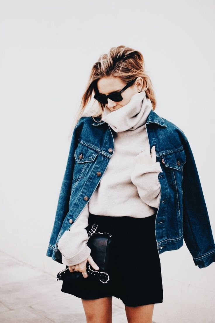 Love the oversized sweater and jean jacket combo