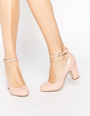 Nude heels make the legs look longer. If they are medium height they are comfortable to stand in for ages and good for breath support.