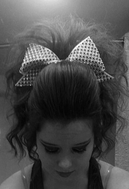 Teased Ponytail With Poof Cheer Hair ~ This is amazing! How is this possible?!? Lol.