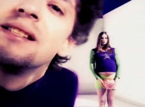 Fuerza Gustavo!!! - [b]Un vj de lujo!!. Esto fue grabado para MTV el 8/11/1993 durante la presentación para la prensa de Amor Amarillo en la Estancia San Ceferino ubicada entre Pilar y Luján a unos 70km de Buenos Aires. [/b] Video: http://www.youtube.com/watch?v=rcnR7zF1PcM [b]FlacoStereo capo![/b] - Fotolog