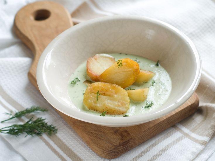 Varené zemiaky so zelenou omáčkou