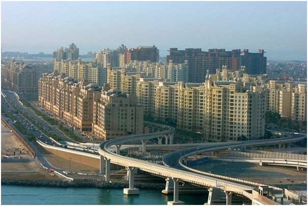 Nakheel has began leasing Golden Mile space on Palm Jumeirah 1