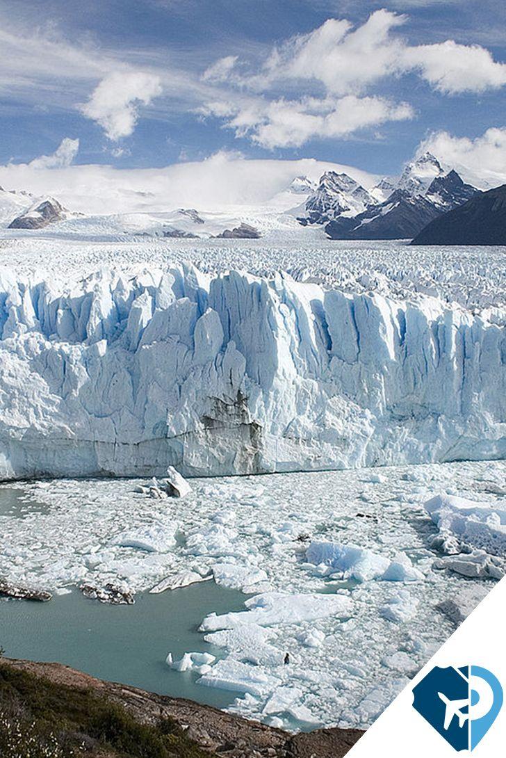 ¿Ya conoces el Glaciar Perito Moreno? Por lo espectacular de su vista, muchos alrededor del mundo la consideran la octava maravilla del mundo. Este se encuentra en Santa Cruz, Argentina. De hecho, este lugar es junto conPuerto Madryn(Chubut) y las Cataratas del Iguazú (Misiones), uno de los sitios turísticos más visitados en Argentina