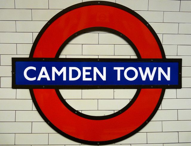 On connait surtout Londres pour ses monuments : Big Ben, le London Bridge ou encore la Westminster Abbey. Et si vous visitiez la capitale anglaise pour le quartier Camden Town ? Vous profiterez ainsi un maximum de l'esprit Vintage londonien.