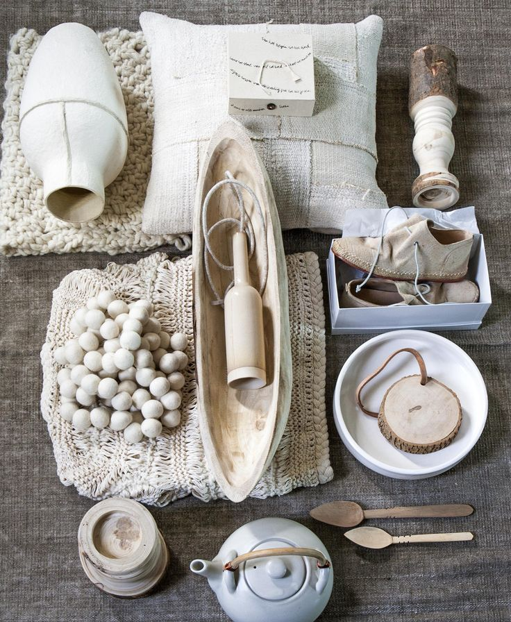 See how well all natural ingredients go together? Soft, rough, cuddly, grainy, smooth... Whatever the texture is , the color palette is monotonous but definitely not boring | Styling Marianne Luning | Photographer Anna de Leeuw | vtwonen juli 2015