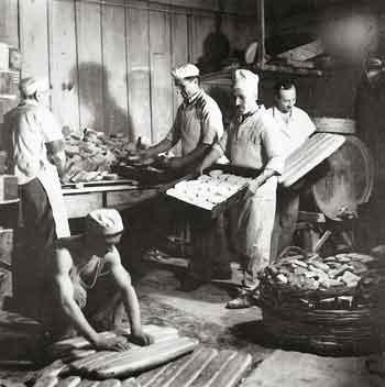 Παρασκευή ψωμιού σε επαγγελματικό φούρνο, Βούλα Παπαϊωάννου
