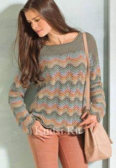 Пуловер в полоску с волнистым узором
