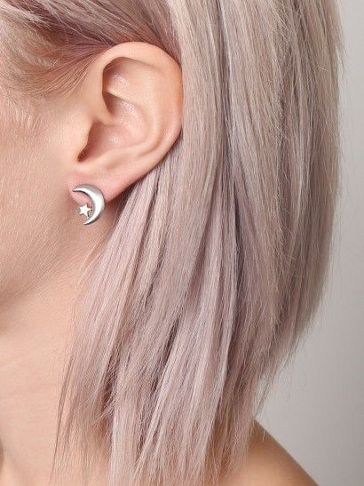 I'm pinning this for the hair color-but giving credit to Crescent Moon Earrings - Gypsy Warrior (Dusty Rose Gold Hair)