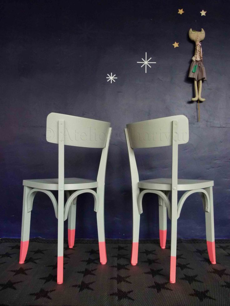 DIY dipped chairs. Do I want to dip my chairs? Hmmm...