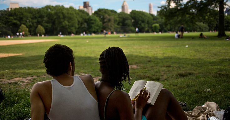 Summer Reading Books: The Ties That Bind Colleges - The New York Times