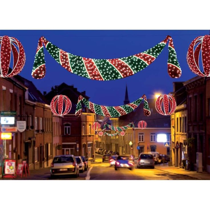 Commercial Grade Christmas Decorations: Best 25+ Christmas Ceiling Decorations Ideas On Pinterest
