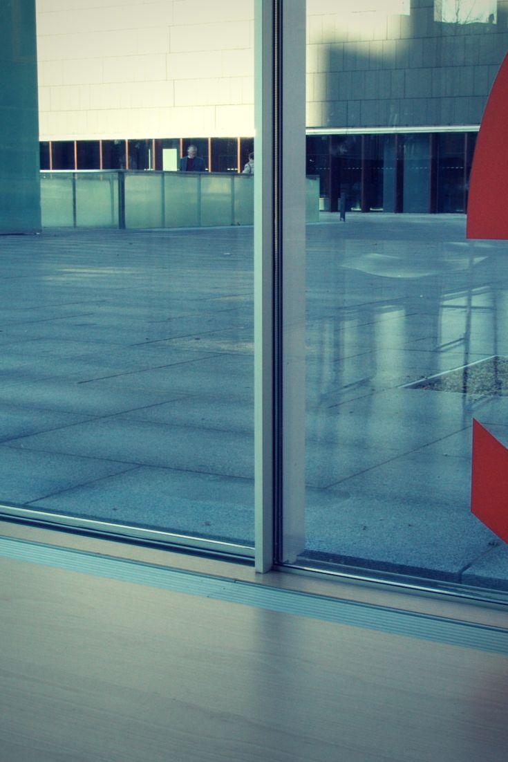Obra: Cafetaria Baluarte Arquitectura: Francisco Mangado Localização: Espanha Data de Conclusão: 2006