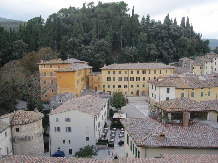 Villa La Vignola met het park Terrosi (eigendom van de modeontwerper Valentino)