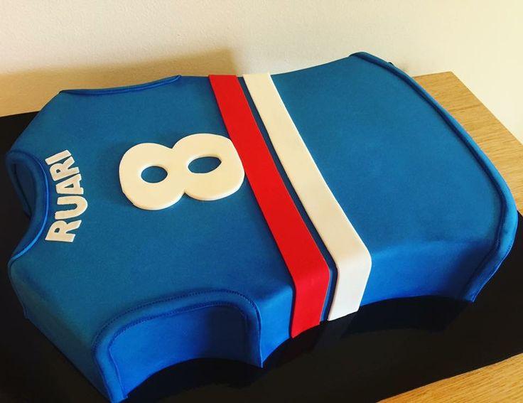 Western bulldogs jersey cake