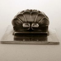 """GEORG JENSEN SHELL PLACE CARD HOLDER #102, STERLING SILVER. DESIGNED BY GUNDOLPH ALBERTUS $300.00  Condition: fine vintage, preowned Year: 1930 Size:  1 1/8"""" by 7/8"""" and 1/2"""" tall"""